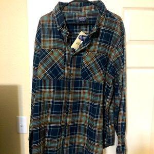 Long sleeve button down flannel shirt men's XL